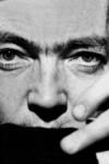 """Julio Cortázar Appendice aux escaliers / Más sobre escaleras  Julio Cortázar est né en 1914 à Bruxelles et mort en 1984 à Paris. Entre ces deux dates, il<a class=""""moretag"""" href=""""http://www.latinoir.fr/carnet-damerique-latine-julio-cortazar/""""> [Continuer la lecture...]</a>"""
